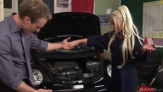Auto mechanic fixes your car and fucks your horny pussy - Cindy Behr
