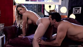 Impassioned going to bed for beautiful blonde MILF Jessa Rhodes