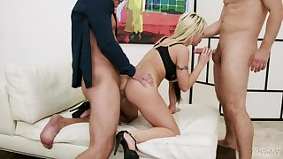 Blondie deals these poikilothermic dicks in a wild XXX trio
