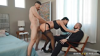 Jasmine Jae makes cuckold watch her get fucked by a ravenous lover