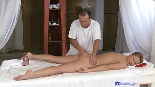 Nude labelling on the kneading table grants wife a mesmerizing time